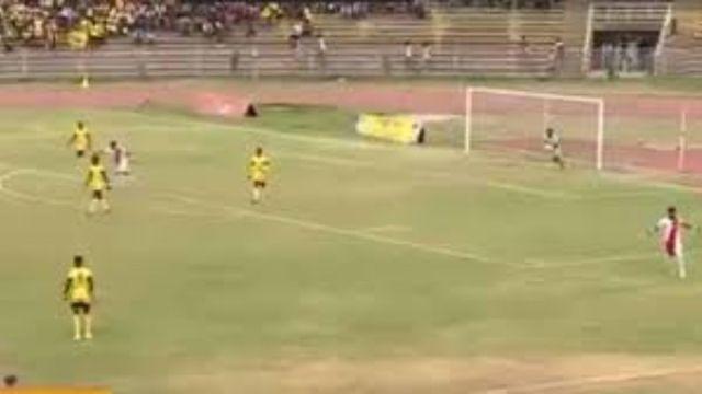 Autogol increíble en primera división de Etiopía
