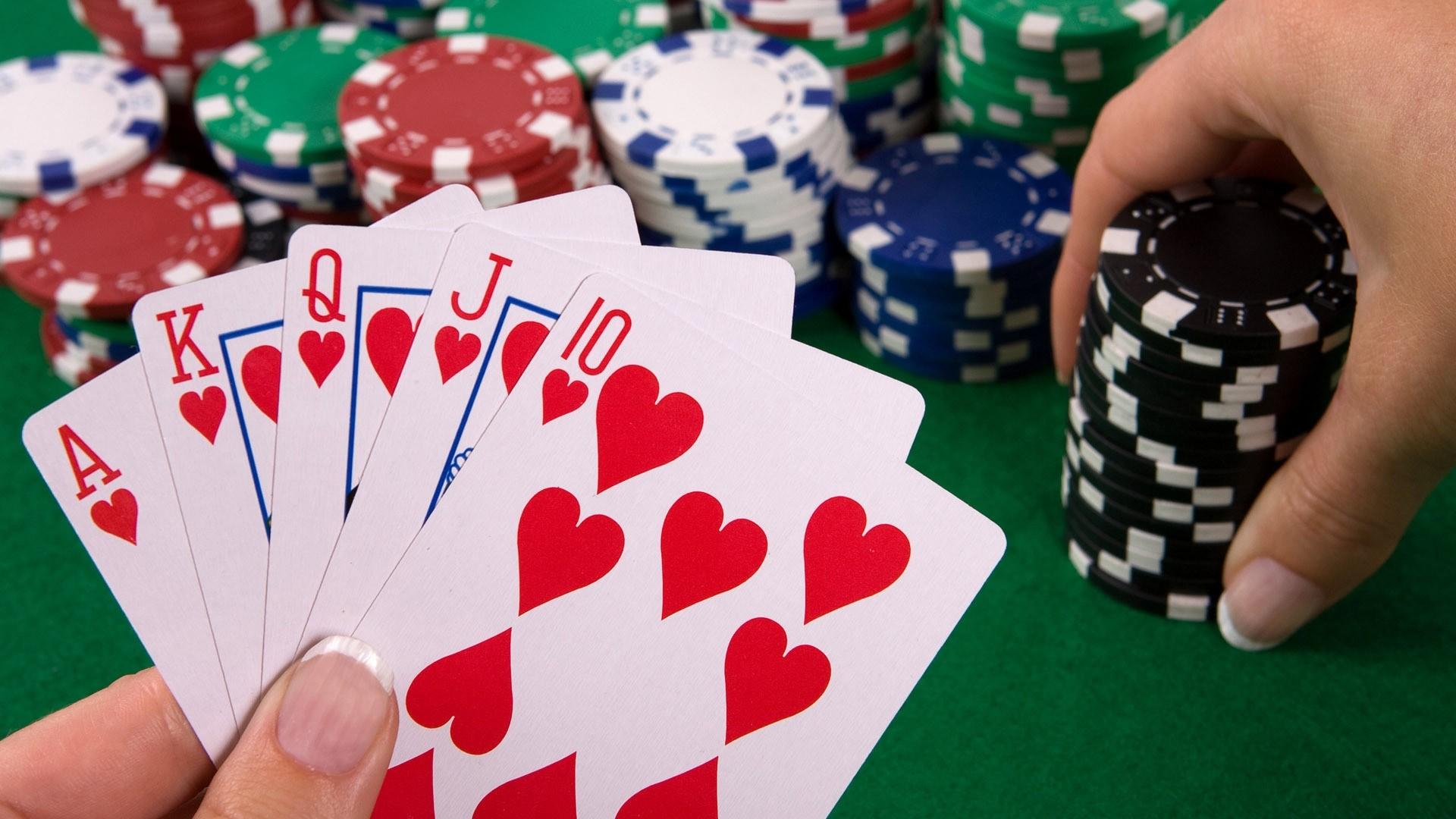 La CONADE reconoció el póker como deporte mental