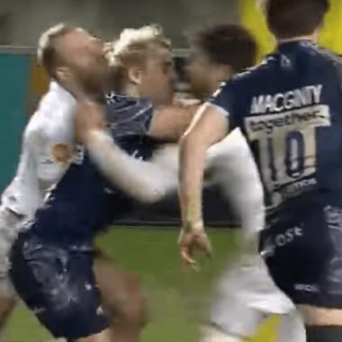 Jugador rugby noquea brutalmente dos rivales