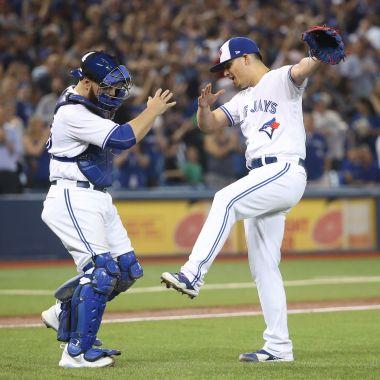 Roberto Osuna más joven lograr cien salvamentos MLB Grandes Ligas