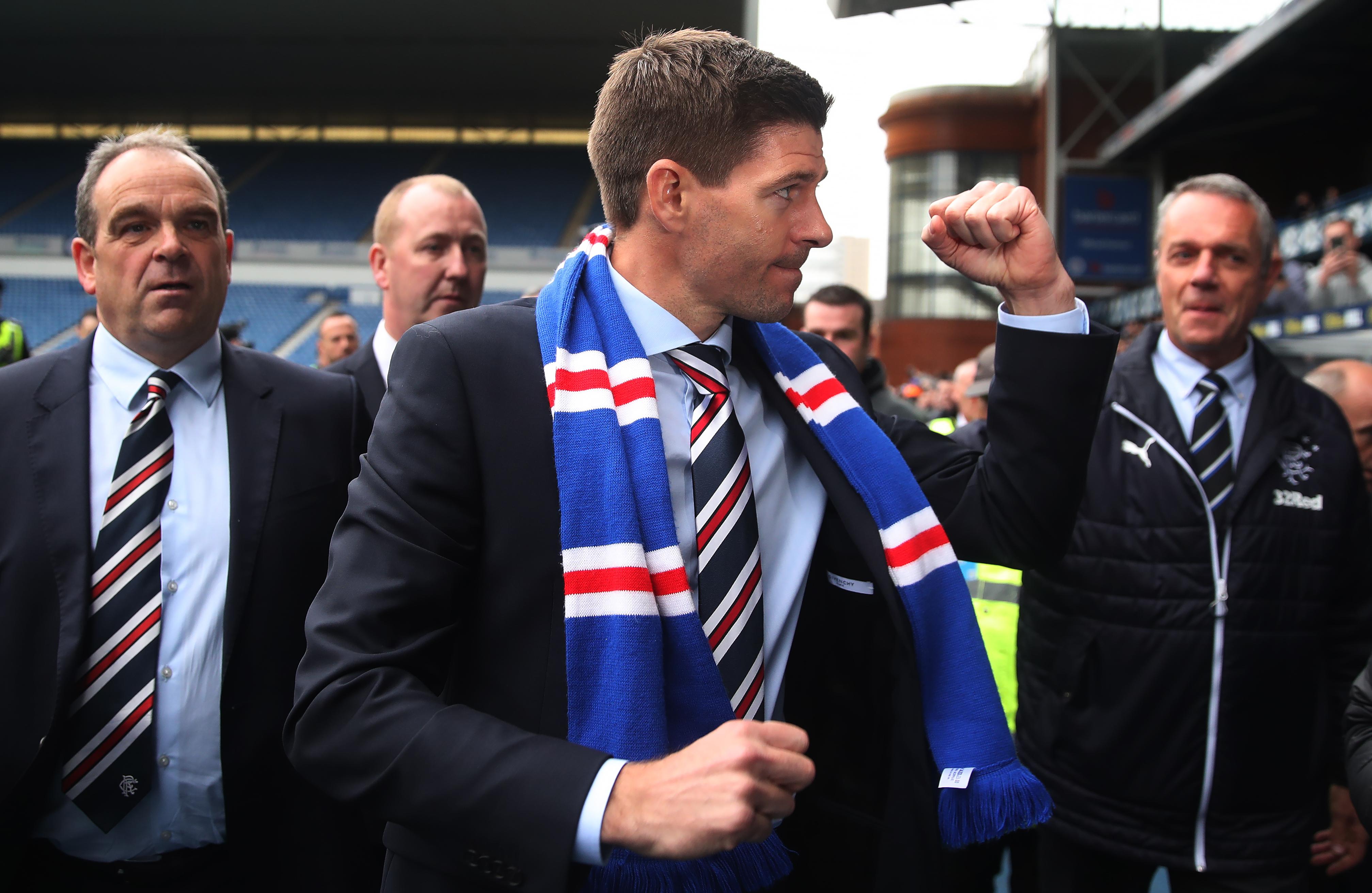 Rangers de Escocia, Steven Gerrard, Se Une, Eduardo Herrera, Entrenador, Escocia, Futbolista, Ingles, Lalo