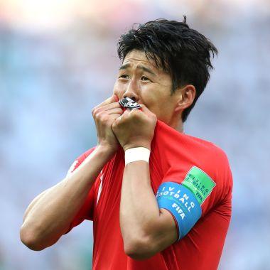 Reciben con huevazos a Corea del Sur tras su participación en Rusia 2018 [Video]