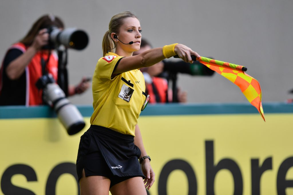 BELO HORIZONTE, BRAZIL - MAY 11: Referee Fernanda Colombo during a match between Atletico MG and Cruzeiro as part of Brasileirao Series A 2014 at Independencia stadium on may 11, 2014 in Belo Horizonte, Brazil.