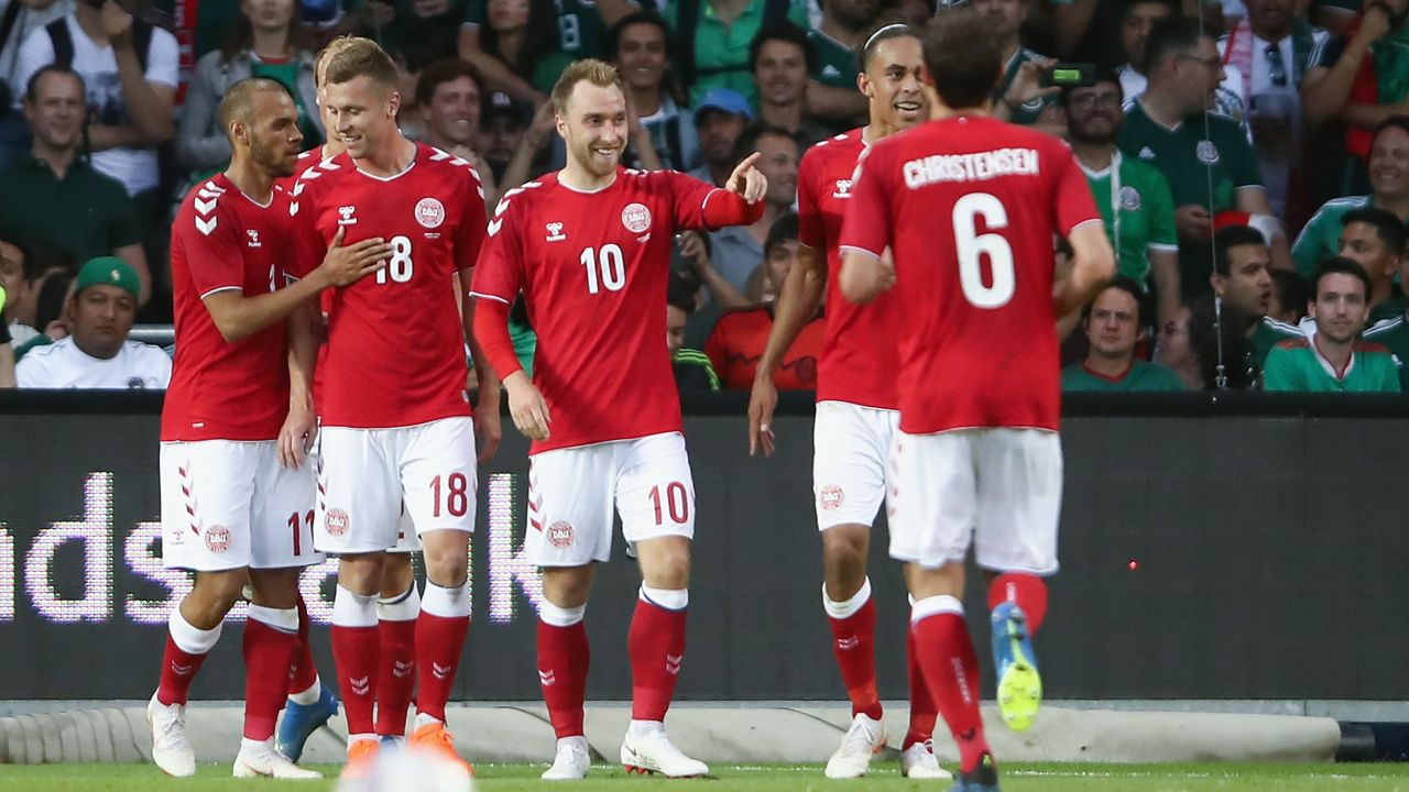 Dinamarca Australia qué hora juega