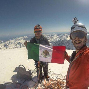 Mexicanos mueren al escalar una montaña en Perú