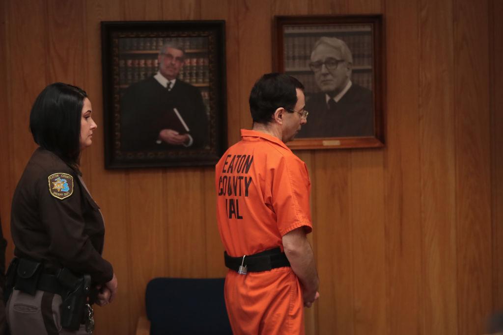 Larry Nassar Cambio Prisión Ataque Prisioneros