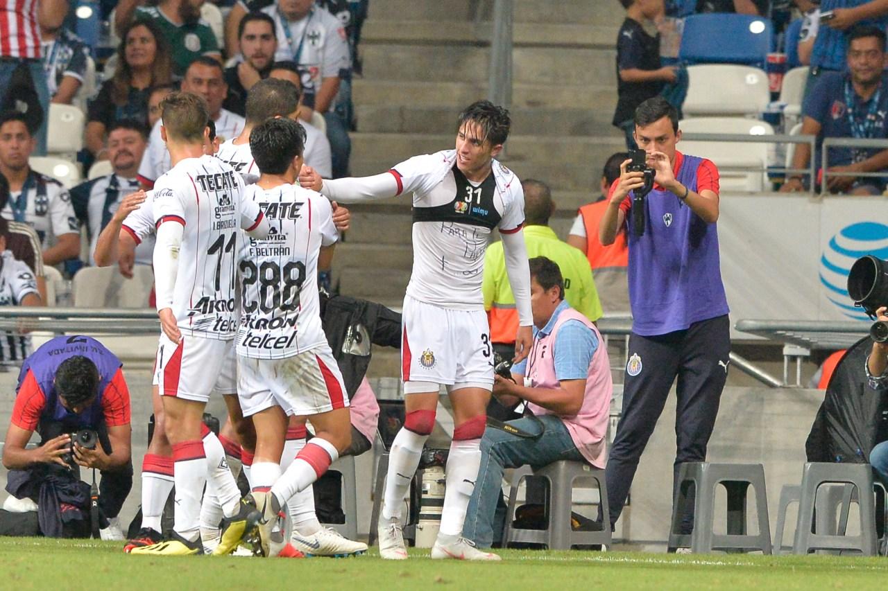 Alan Cervantes, Kevin De Bruyne, José Saturnino Cardozo, Chivas