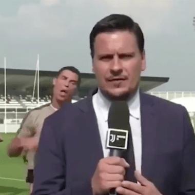 Cristiano Ronaldo Burla Reportero Entrenamiento Juventus