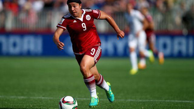 Charlyn Corral, Futbol Femenil, Patrocinadores, Marcas