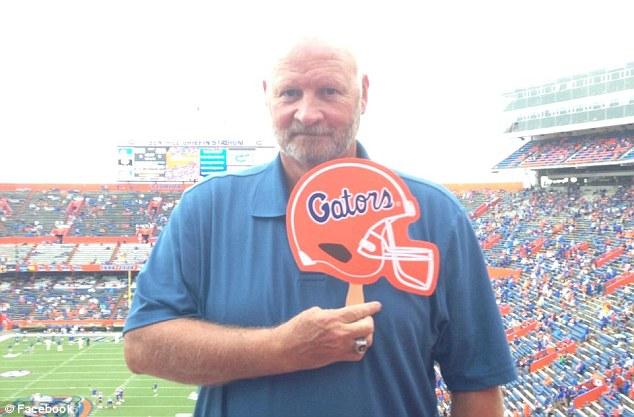 Entrenador, Futbol Americano, Florida, Suspendido