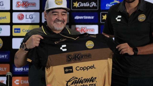 Árbitros Perdonan Expulsión Diego Maradona Foto