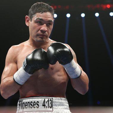 Boxeador profesional golpea a guardias de seguridad [Video]