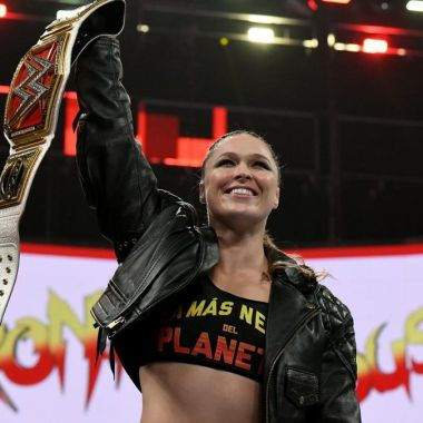 Ronda Rousey Herencia Latina Playera WWE