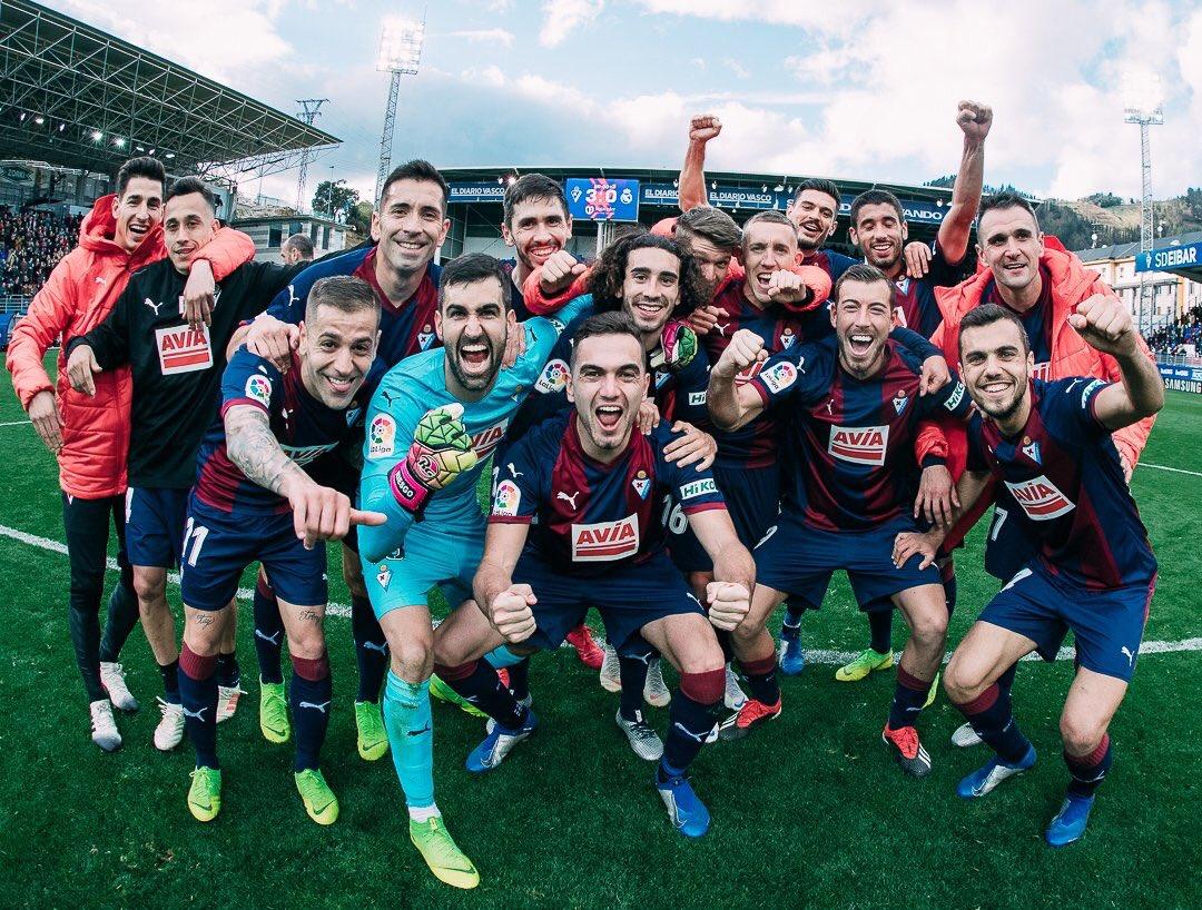 Eibar Festeja Champagne Victoria Real Madrid
