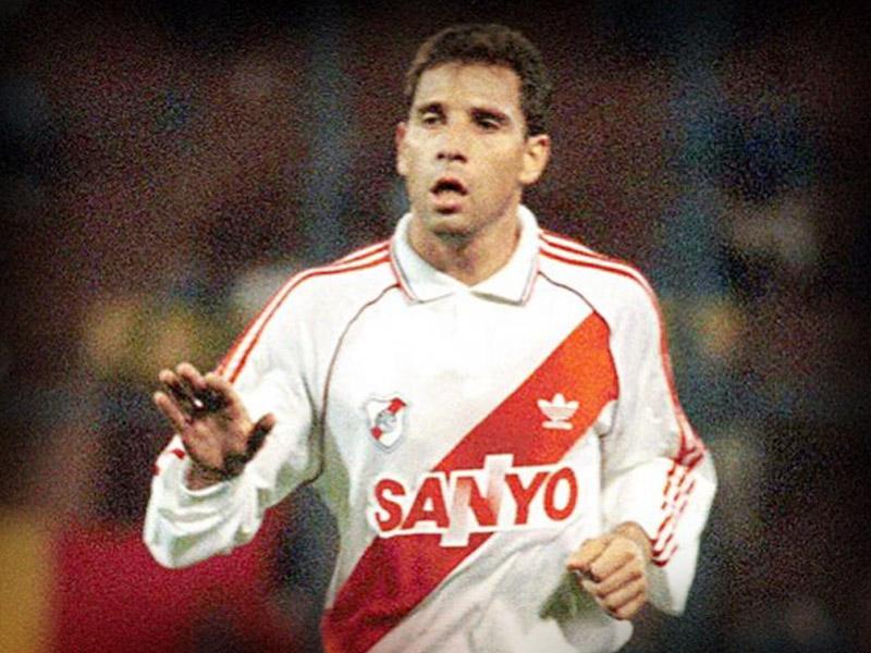 River Plate, Boca Juniors, Mexicanos, Jugar