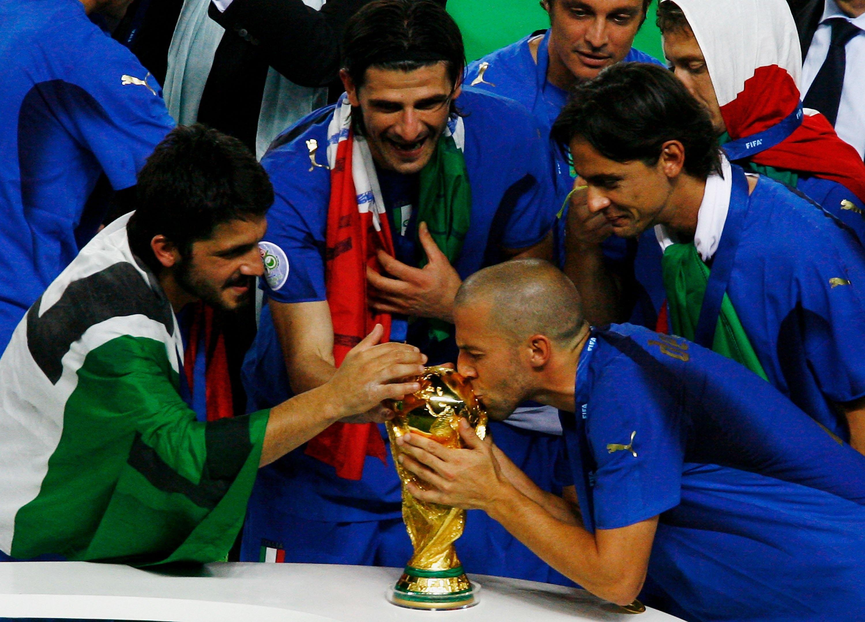 Vincenzo Iaquinta, Mafia, Italia, Juventus Los Pleyers