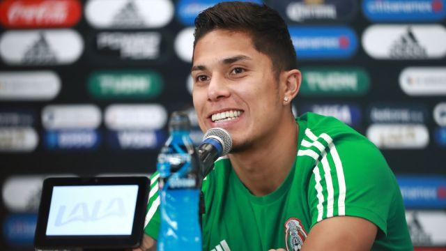 14/10/2019. Carlos Salcedo Marsella Tigres Fichaje Los Pleyers, Carlos Salcedo en una conferencia de prensa con el Tri.