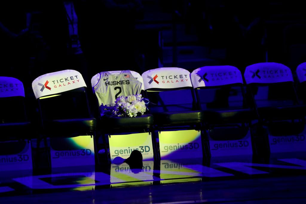 27/01/2020, Banda protagoniza despedida de mexicanos a Kobe Bryant