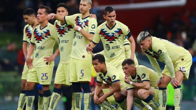 29/12/2019. América Jorge Sánchez Sebastián Córdova Errores Los Pleyers, Jugadores del América lucen desconcertados.