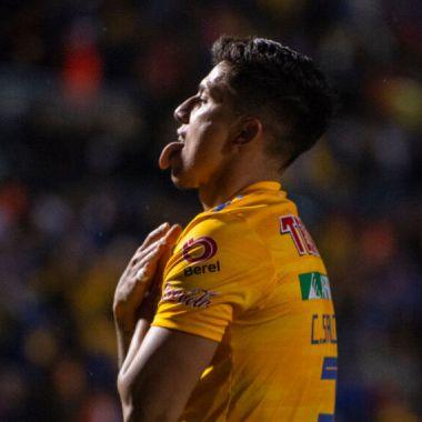 """30/10/2019. Carlos Salcedo sigue en polémica, ahora por discriminación, tras haberle llamado """"muerto de hambre"""" y otros comentarios a Oswaldo Blanco"""