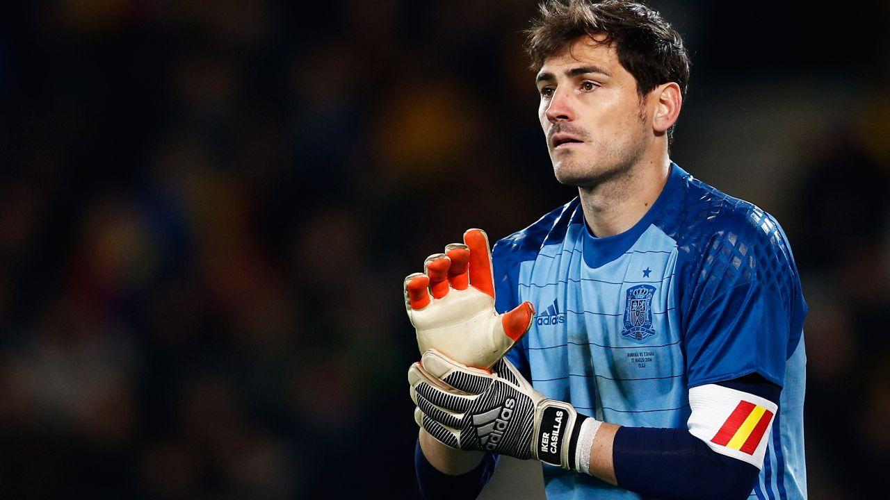 27/03/2016. Se veía venir: Iker Casillas ha dejado el futbol profesional. Se hizo el anuncio oficial de su retiro