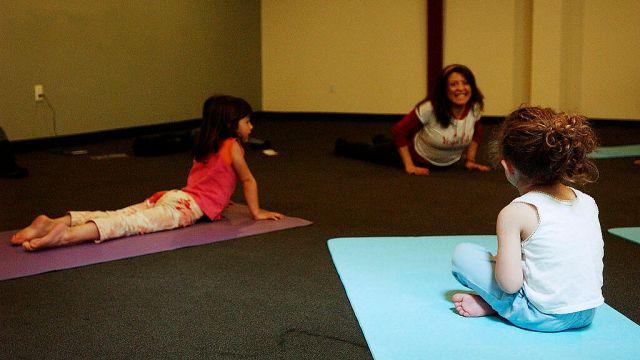 17/04/2004, Coronavirus: Beneficios de que practiquen yoga los niños