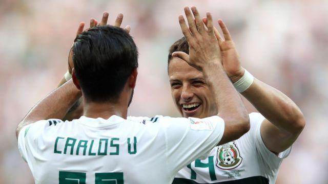23/06/2018. Carlos Vela Chicharito Mls Coronavirus Los Pleyers, Carlos Vela y Chicharito celebran un gol.