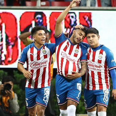 09/11/2019. Chivas Chofis Gallito Vázquez Influenza Los Pleyers, Jugadores de Chivas festejan un gol.