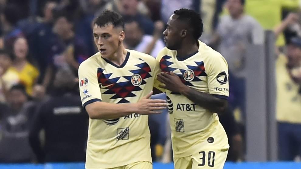 15/04/2020. América Federico Viñas Renato Ibarra Movimientos Los Pleyers. Federico Viñas y Renato Ibarra celebran un gol.