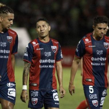 13/04/2020. Ascenso MX Clausura 2020 Cancelación Equipos Los Pleyers, Jugadores del Atlante cabizbajos.