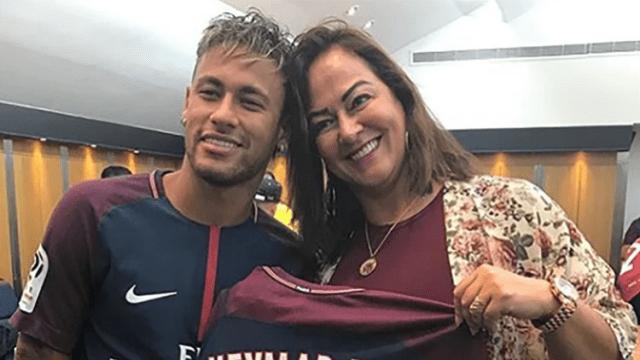 13/04/2020. Neymar Madre Nadine Goncalves Pareja Los Pleyers, Neymar junto a su madre.