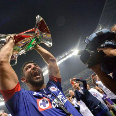 31/10/2018. Copa MX Liga MX Enrique Bonilla Desaparición Los Pleyers, Cauteruccio festeja con el título de Copa MX.