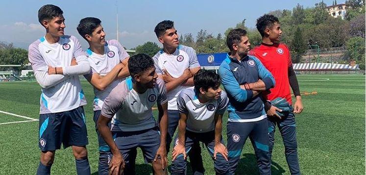 27/05/2020. Cruz Azul Sub 17 Jugadores Despido Los Pleyers, El Gringo Castro con algunos jugadores de Cruz Azul.