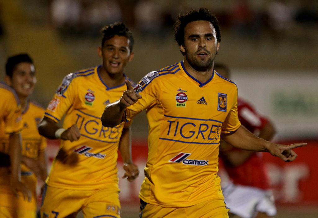 15/04/2015. Enrique Esqueda Tigres Directiva Tratos Los Pleyers, Enrique Esqueda celebra un gol con Tigres.