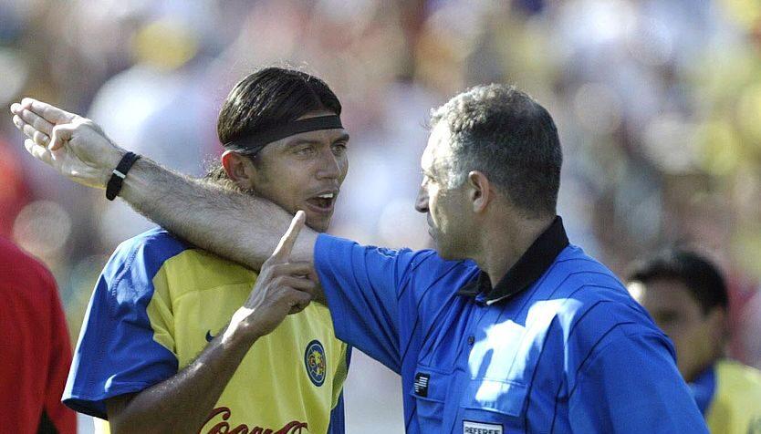 27/07/2003. Franky Oviedo Liga MX Femenil Xolos Entrenador Los Pleyers, Franky Oviedo en un partido con América.