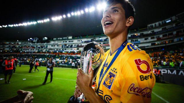 26/05/2019. Jurgen Damm Presidente Tigres Futuro Los Pleyers, Damm con el título de liga.