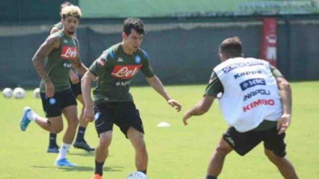 Gattuso corre al Chucky Lozano del entrenamiento del Napoli 15/06/2020