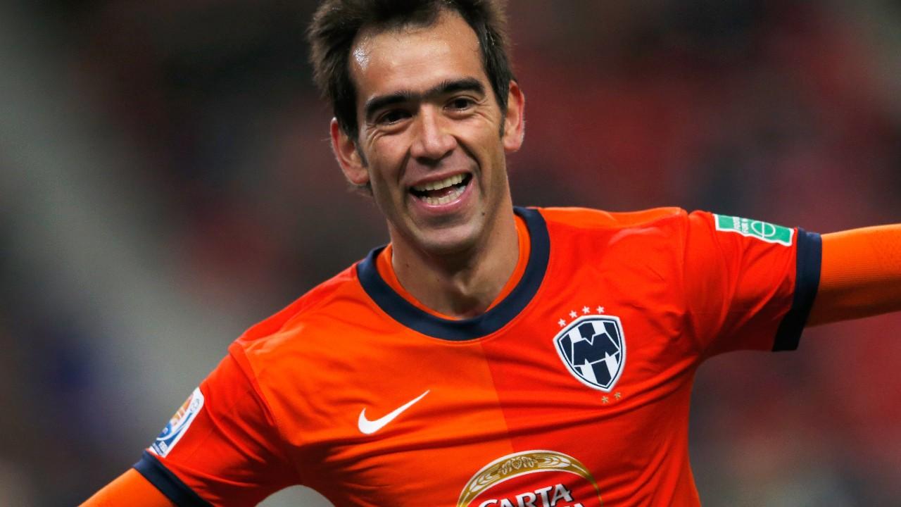 El futbolista regresaría a jugar a México — Chelito Delgado