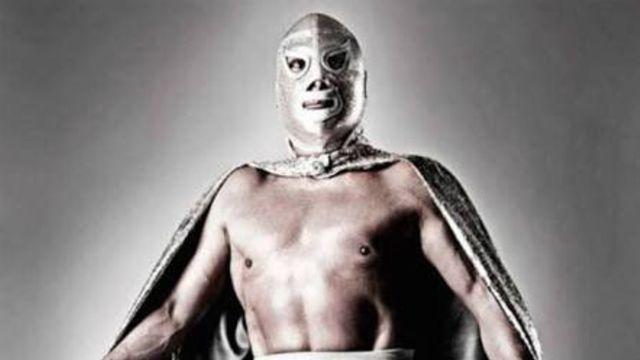 Guillermo del Toro revela la cara del luchador El Santo 31/07/2020