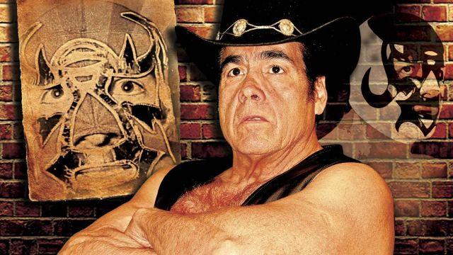 Jesús Reyes mejor conocido como Máscara Año 2000 aclara su supuesto retiro de la lucha libre 09/07/2020