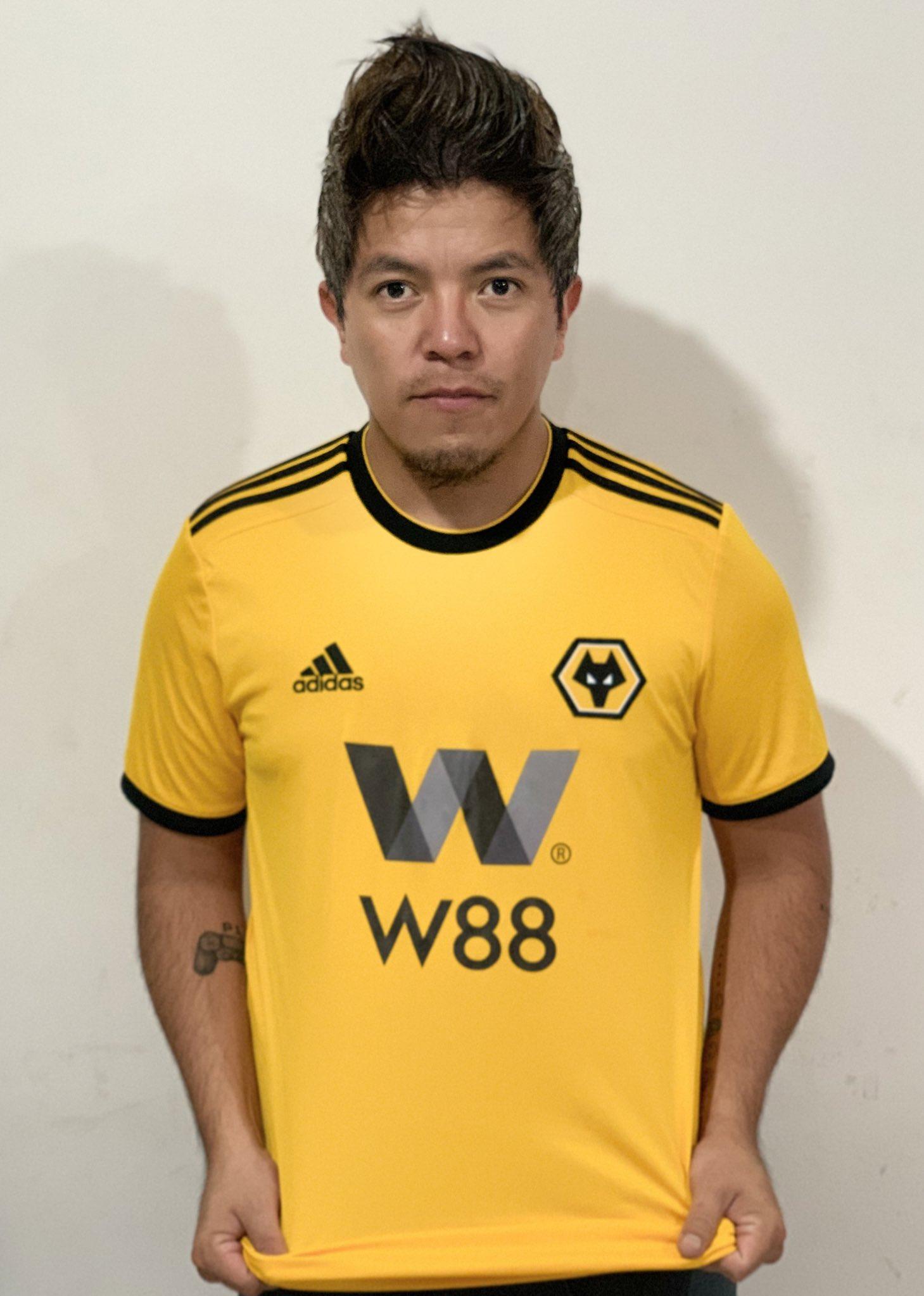 Isra Werevertumorro Crew Playera Wolves Los Pleyers