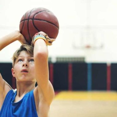 Se puede crecer de estatura jugando basketball
