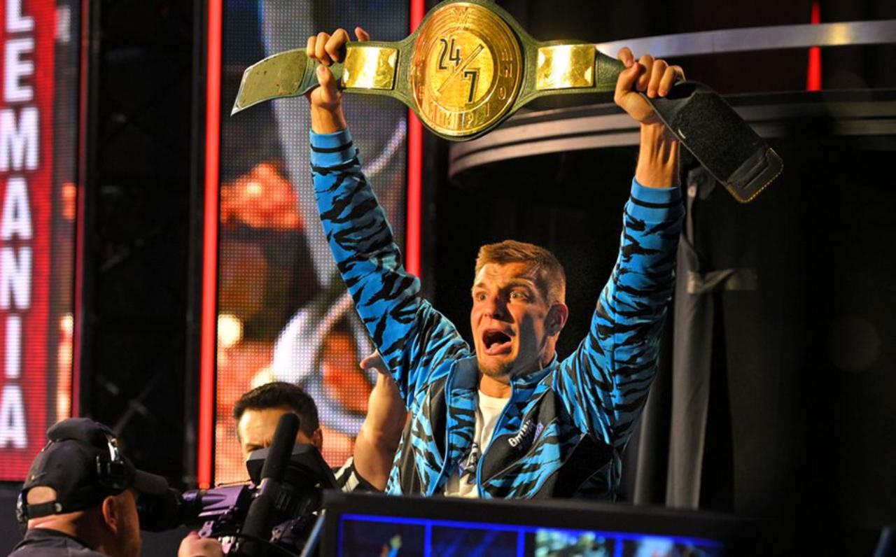 Rob Gronkowski campeón de la WWE