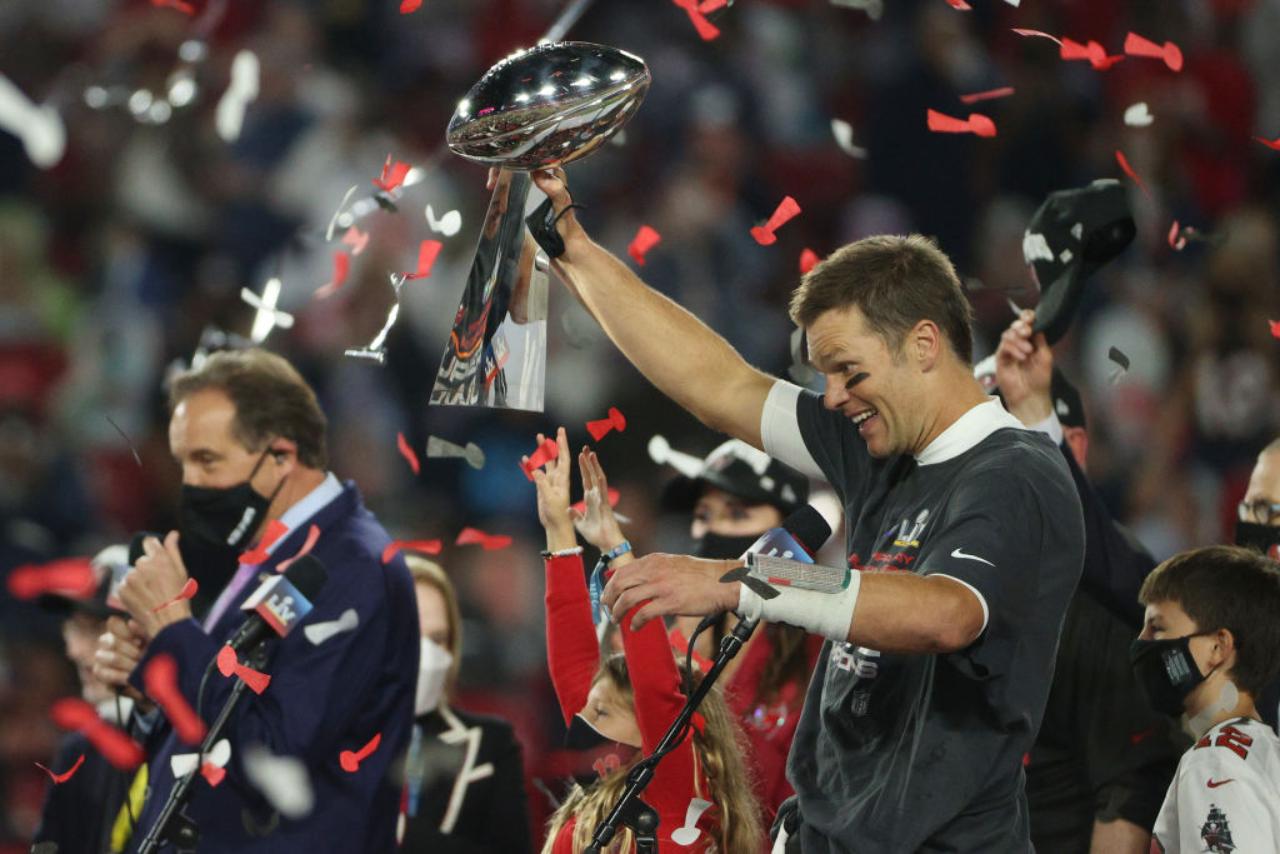 Tom Brady un año más con Tampa Bay