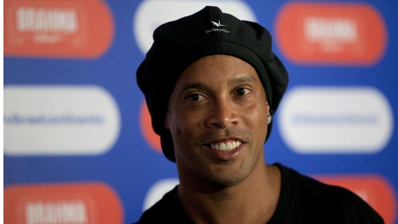 Ronaldinho video proyecto musical Tropa do Bruxo