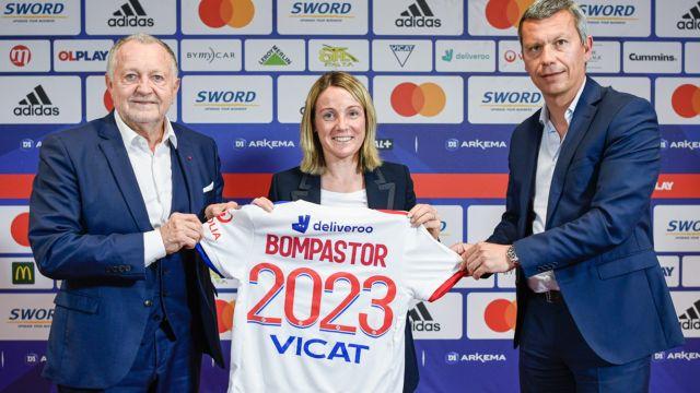 Sonia Bompastor ntrenadora del Olympique de Lyon Femenil