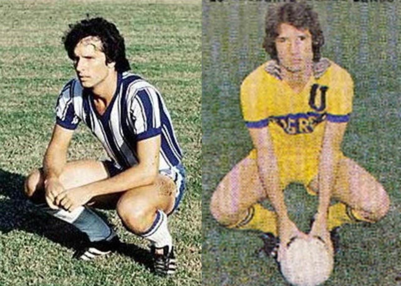 Gómez Junco con ambas playeras