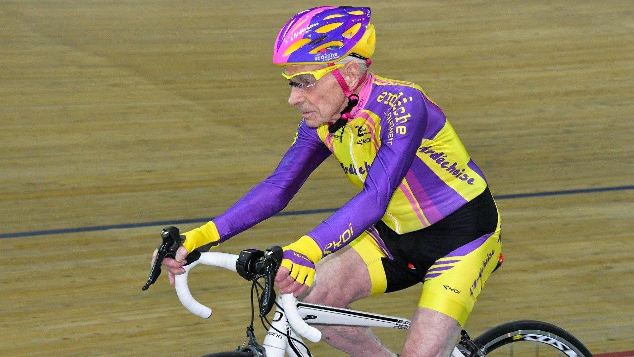Muere ciclista Robert Marchand Francia