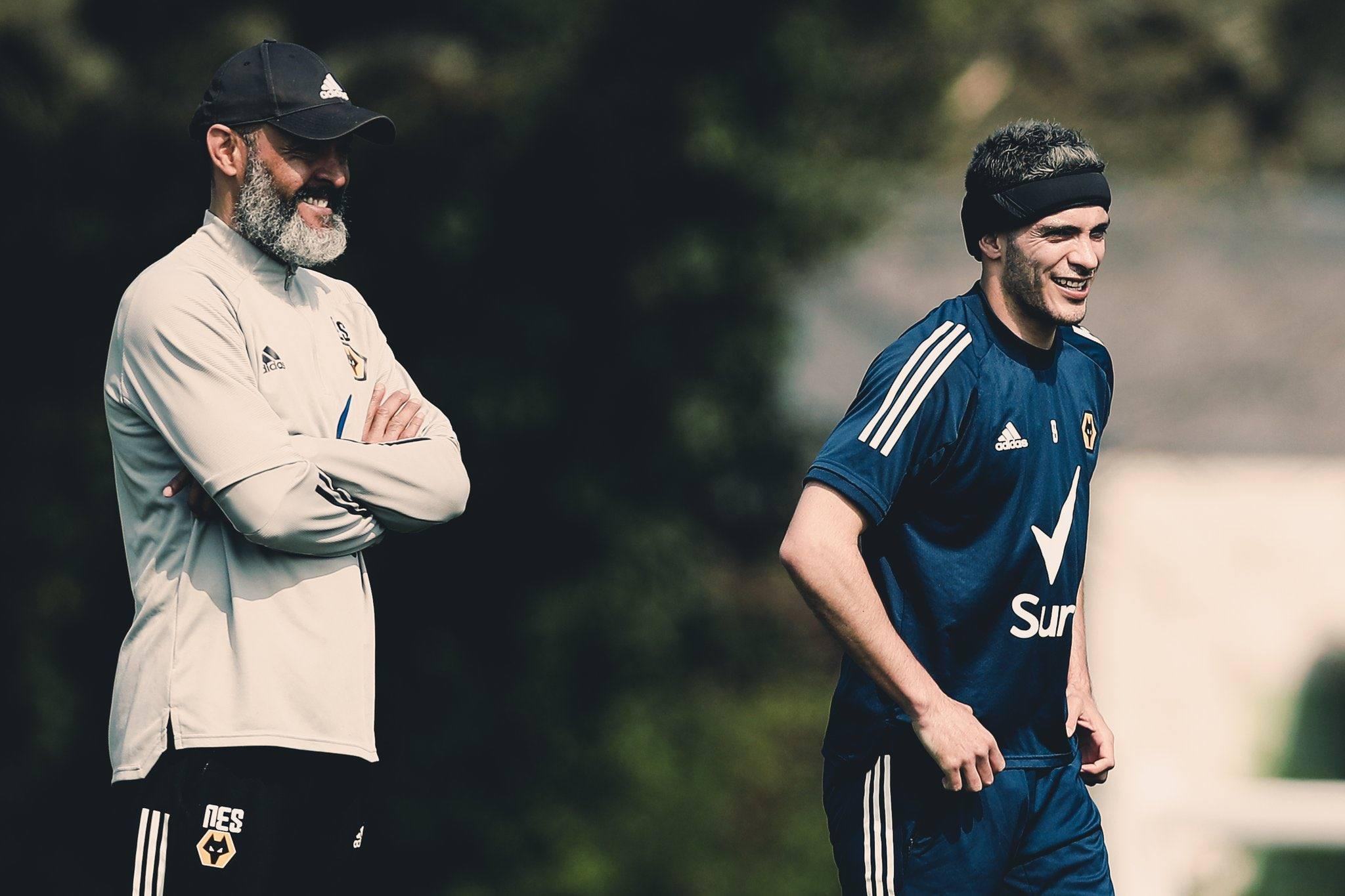 Premier League técnico Raúl Jiménez Wolves salida