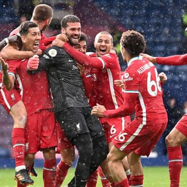 Alisson Becker, portero del Liverpool gol premier league